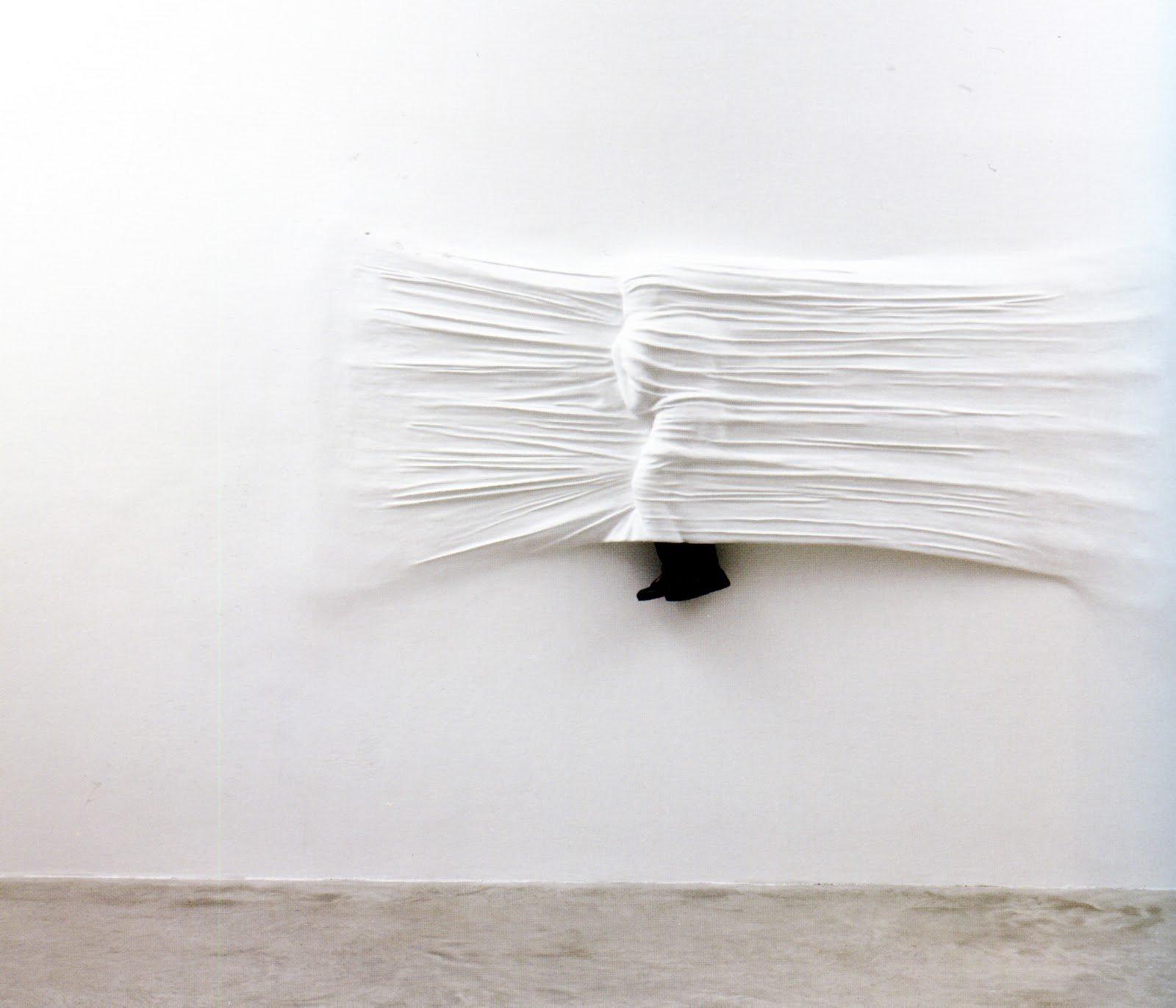 une curiosit de qualit daniel arsham. Black Bedroom Furniture Sets. Home Design Ideas