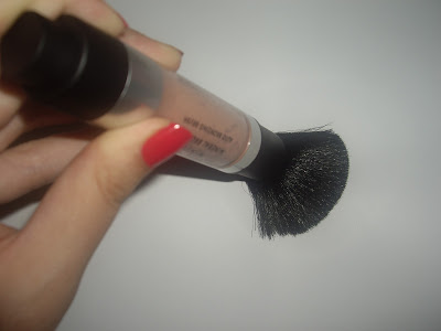 Natural Glamour Mineral Bronzer Applicator Pressed Down