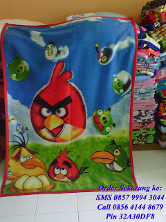 selimut anak karakter angry bird hijau biru