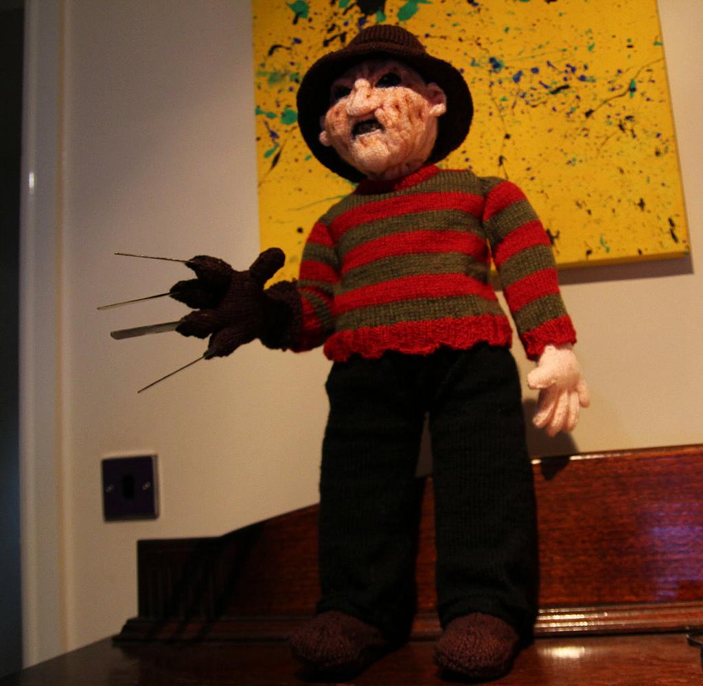 Knitted Freddy Krueger ~ picaccelerator