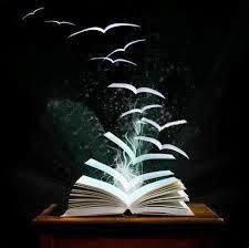 """""""O livro é um mestre que fala mas que não responde."""" Platão"""