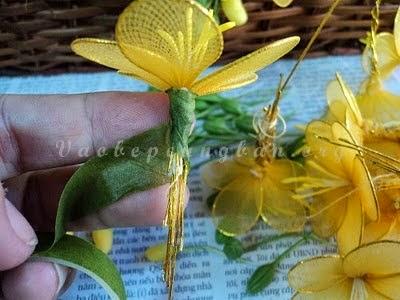 Cách làm cây hoa Mai bằng vải voan (lụa) đón Tết 4