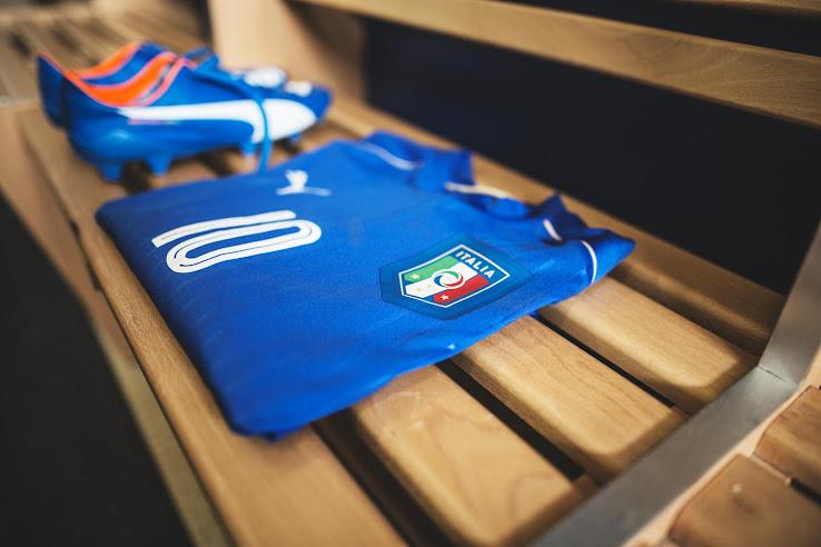 Nuevo uniforme titular Puma de Italia para la Euro 2016