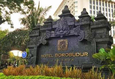 Gerbang Masuk Hotel Borobudur
