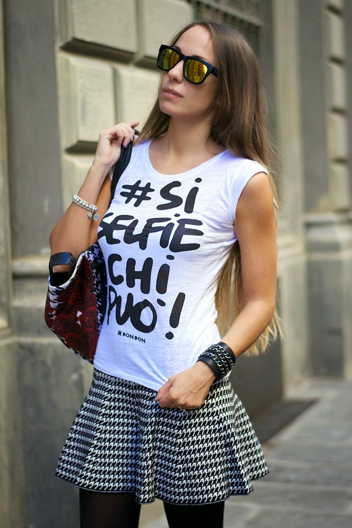 tshirt con scritta