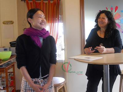 Ayako y Puri presentando el curso.