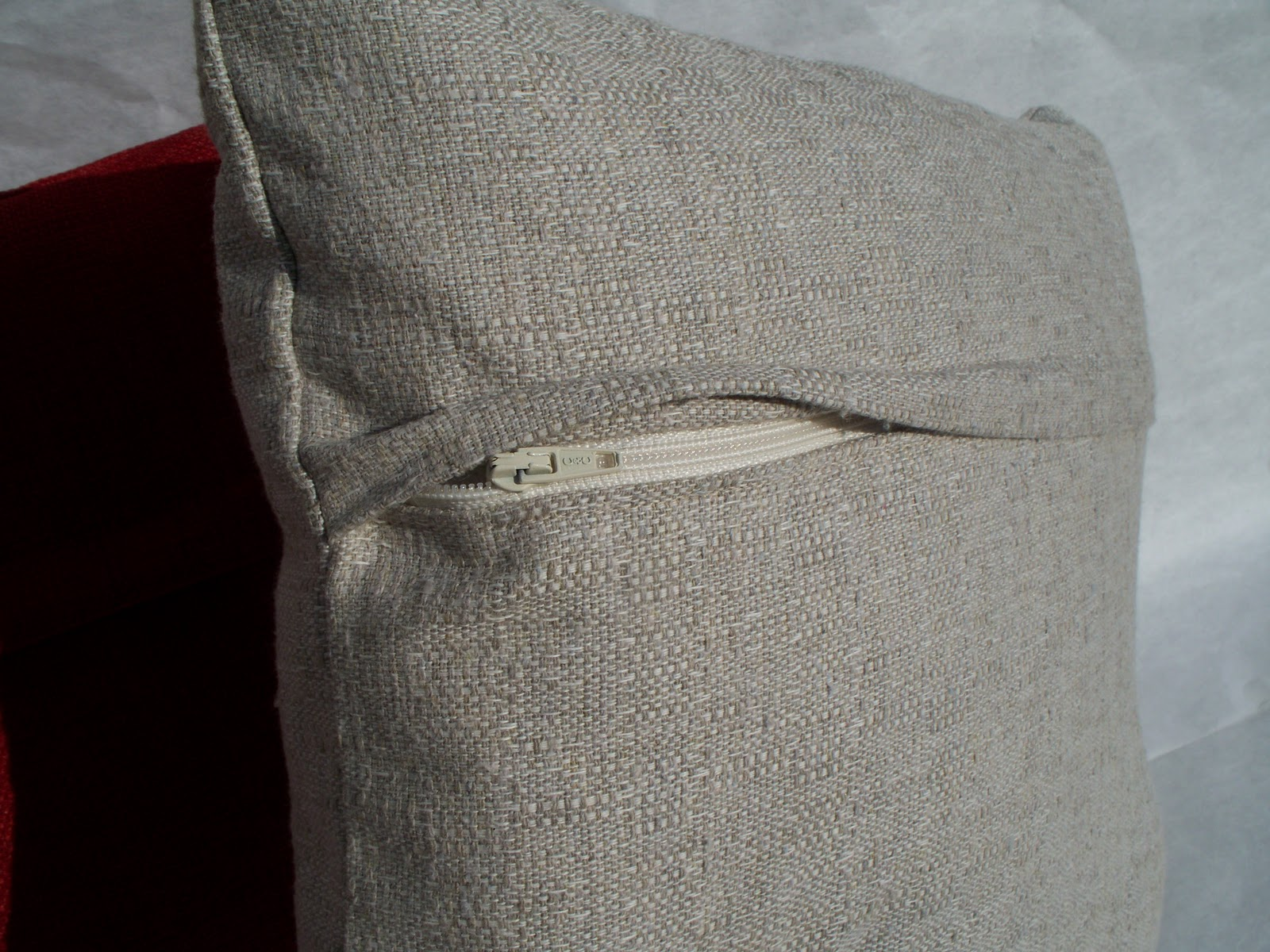 How To Make A Decorative Pillow With A Zipper : Krista Sew Inspired: Pillow Cover with Hidden Zipper - Tutorial