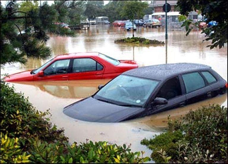Banjir, Tips yang Perlu Dilakukan Sekiranya Kereta Ditenggelami Banjir, Kereta