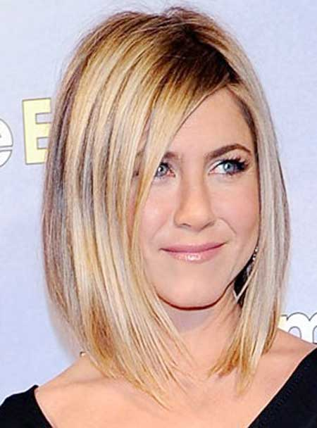 Jennifer Aniston Layered Medium Hairstyle