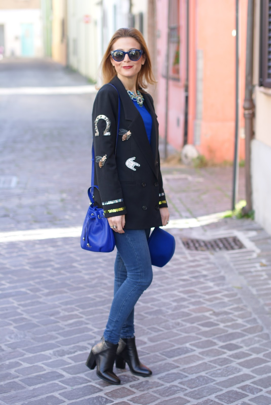 Vogos appliqued blazer and Lorenzo Mari shoes on Fashion and Cookies fashion blog, fashion blogger style