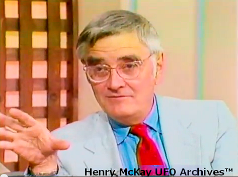 UFO ALIEN ABDUCTIONS: Rare Footage of Budd Hopkins & Abductees Interview