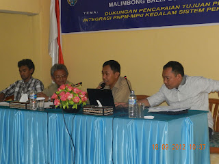 Program Nasional Pemberdayaan Masyarakat Mandiri Perdesaan (PNPM-MPd) kabupaten Tana Toraja Region 1, yang meliputi Kecamatan Kurra, Kecamatan Saluputti dan Kecamatan Malimbong Balepe' menggelar Pelatihan Kepala Lembang/Lurah, Sekretaris Lembang/Lurah dan BPL/LKMK di Aula Hotel Sanggalla'