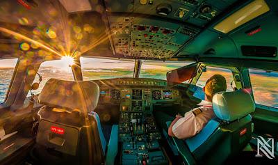 copiloto dentro de un avión airbus