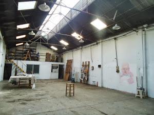 Horizonte devenido (tiza y pigmento sobre el muro)