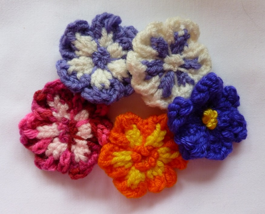 loom lore lovely loopy flowers