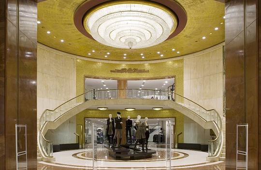 Dress code miky es shopping in milan for Zara uffici milano