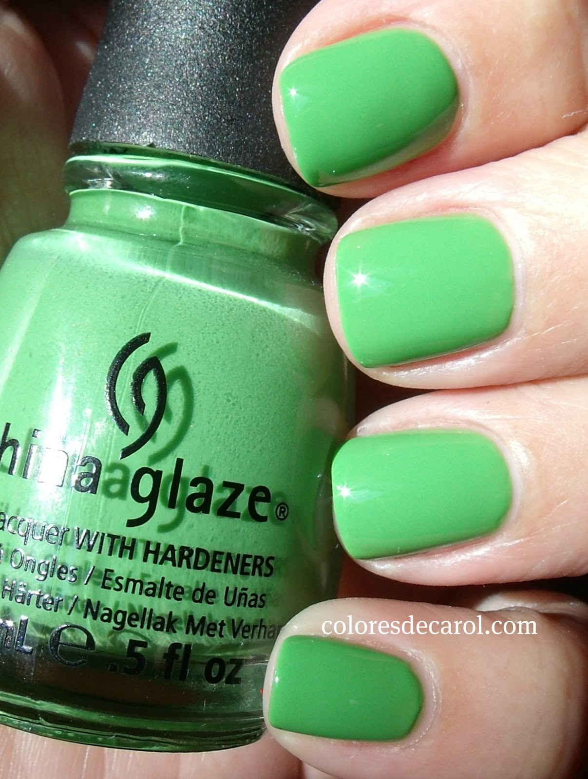 Colores de Carol: China Glaze - Gaga for Green