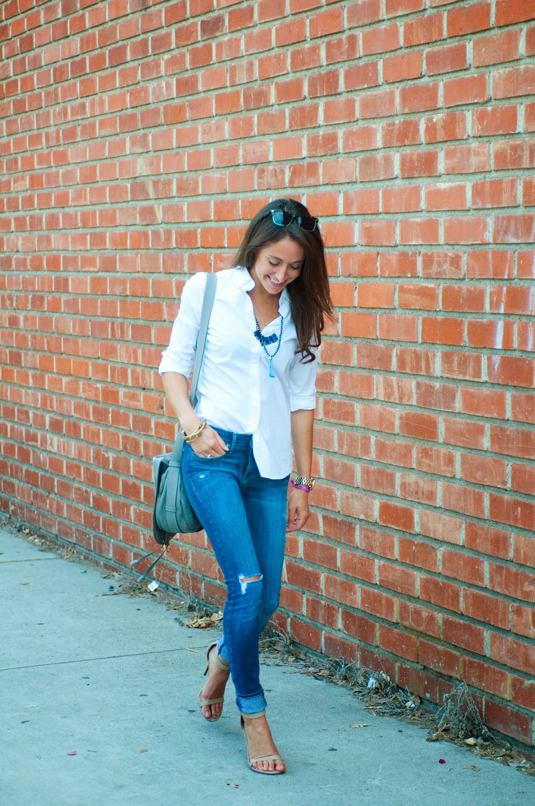 casual-style-fitted-blouse-with-skinny-jeans