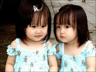 balita-kembar-cantik-imut
