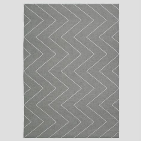 grey zig zag rug