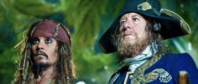Jack Sparrow (Johnny Depp) et Hector Barbossa (Geoffrey Rush) dans Pirates des Caraïbes : la Fontaine de Jouvence