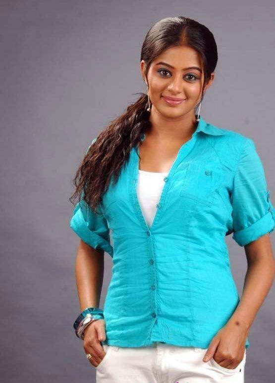 http://2.bp.blogspot.com/--21u-a3Grt0/TfNcRLWVjXI/AAAAAAAAaAE/I_Pn2v52I9Y/s1600/tamil-actress-priyamani-cute-stills-3.jpg