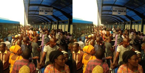 See The Huge Crowd Waiting For Bus At A BRT Terminal In Lagos (Photo)