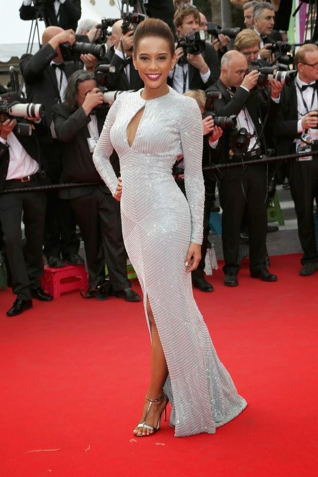 A modelo e as atrizes foram à première do filme Saint Laurent