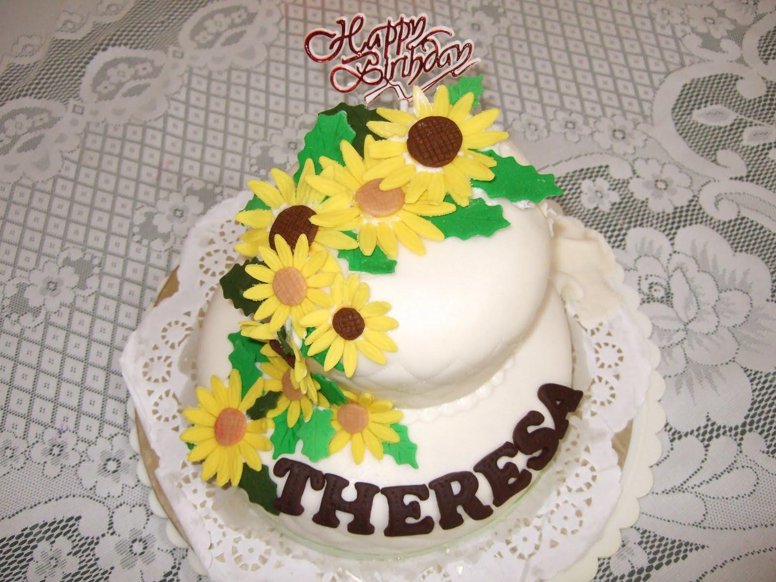 Homemade Fondant Cakes 2 Tiers Sugarpaste Daisy Flowers Cakes