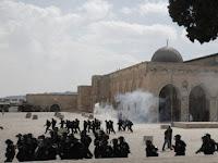 Video: Militer Israel Serang Masjid Al-Aqsa