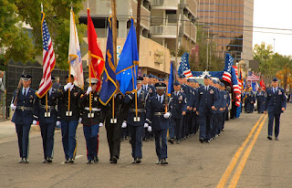 veterans day parade pictures of soldiers
