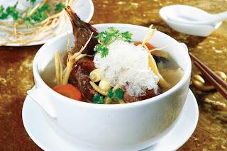 Món ăn ngon với bồ câu tiềm