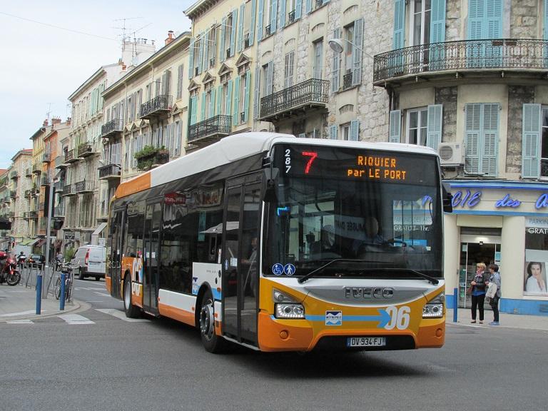 Un passionn de bus parmi d 39 autres r gie ligne d 39 azur 287 for Horaire de bus salon aix
