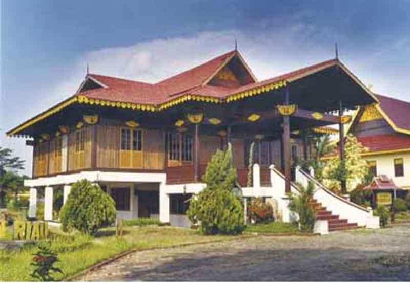 uniknya rumah adat indonesia desain rumah sederhana