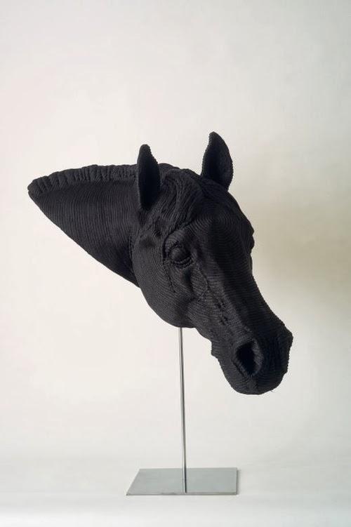 08-Horse-Mozart-Guerra-Rope-Animal-Sculptures-www-designstack-co