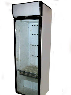 Фото холодильного шкафа со стеклянной дверью