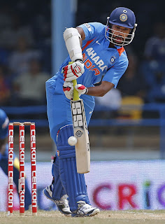 Shikhar-Dhawan-Final-India-vs-Srilanka-Tri-Series-2013