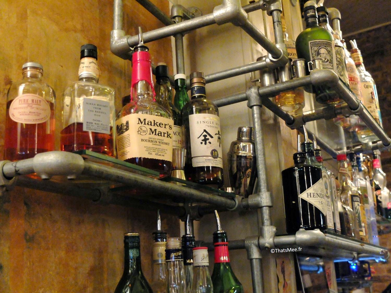 tuyaux plomberie spiritueux bar à cocktails et bières Le Little République Paris
