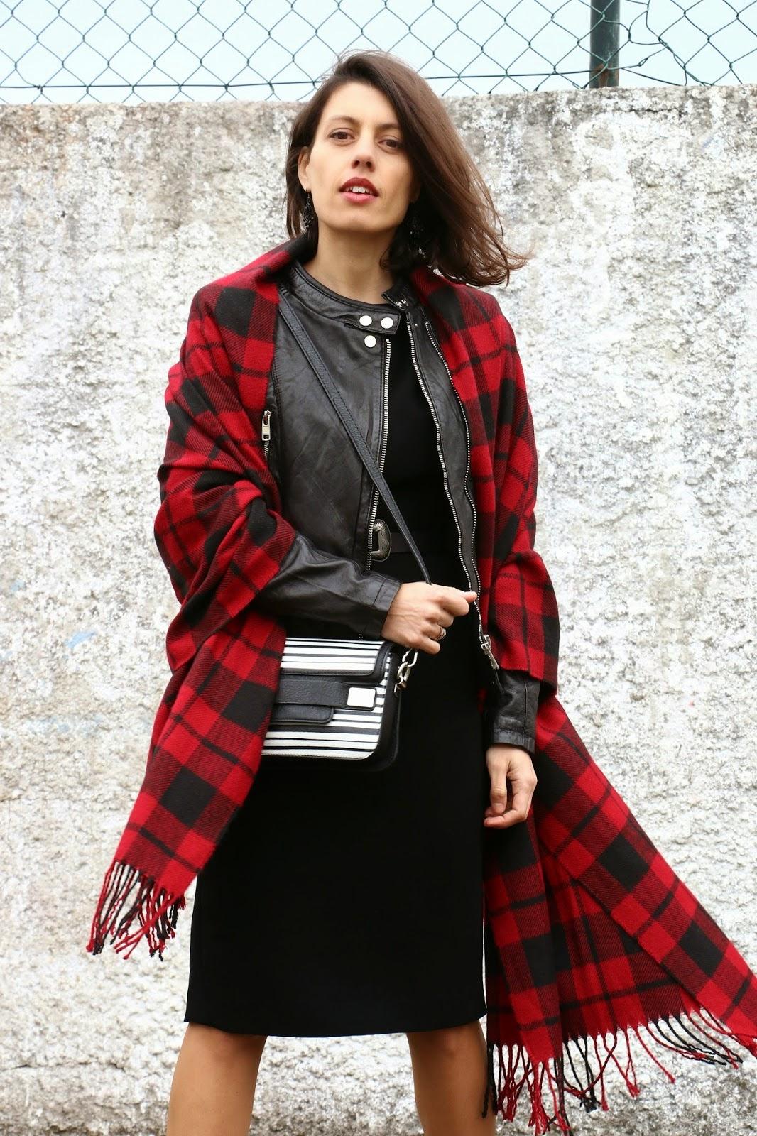 http://ilovefitametrica.blogspot.pt/2015/02/black-dress.html