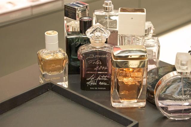 idée cadeau noël gravure falcon parfum