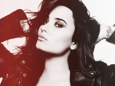 Demi Lovato surpreende fãs cantando 'Give Me Love' de Ed Sheeran