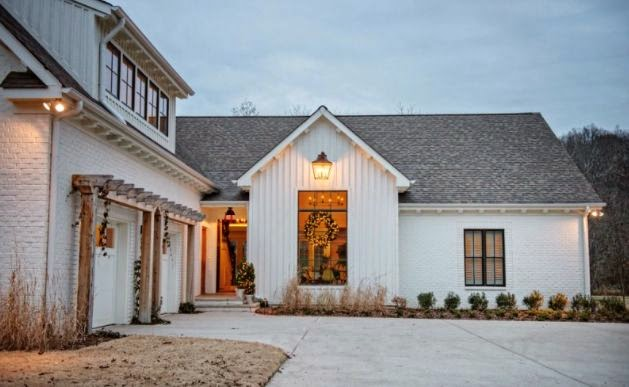 Steward of design crushing on modern farmhouse exteriors for Single story farmhouse