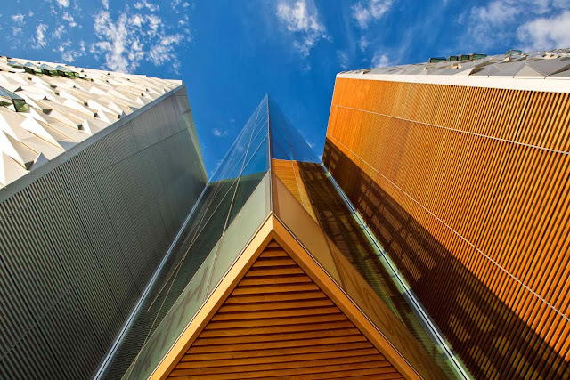 06-Titanic-Belfast-by-Eric R-Kuhne-Associates