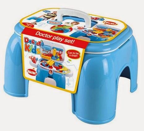 Kado ulang tahun untuk anak perempuan berupa mainana dokter dokteran.
