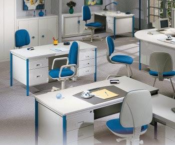 Desain interior kantor minimalis biru putih