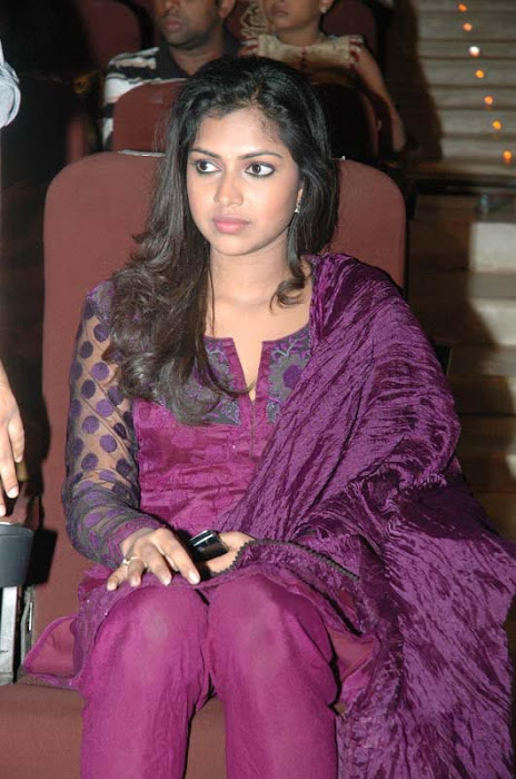 amala paul at edison awards sa latest photos