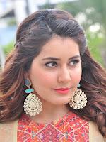 Rashi Khanna new glamorous photos-cover-photo