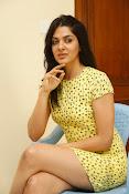 Sakshi chowdary sizzling pics-thumbnail-14