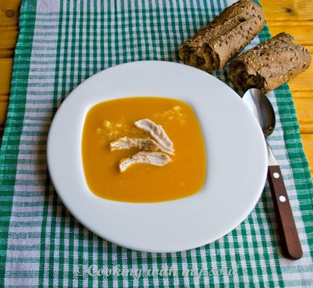 Supa de dovleac cu pui si orez