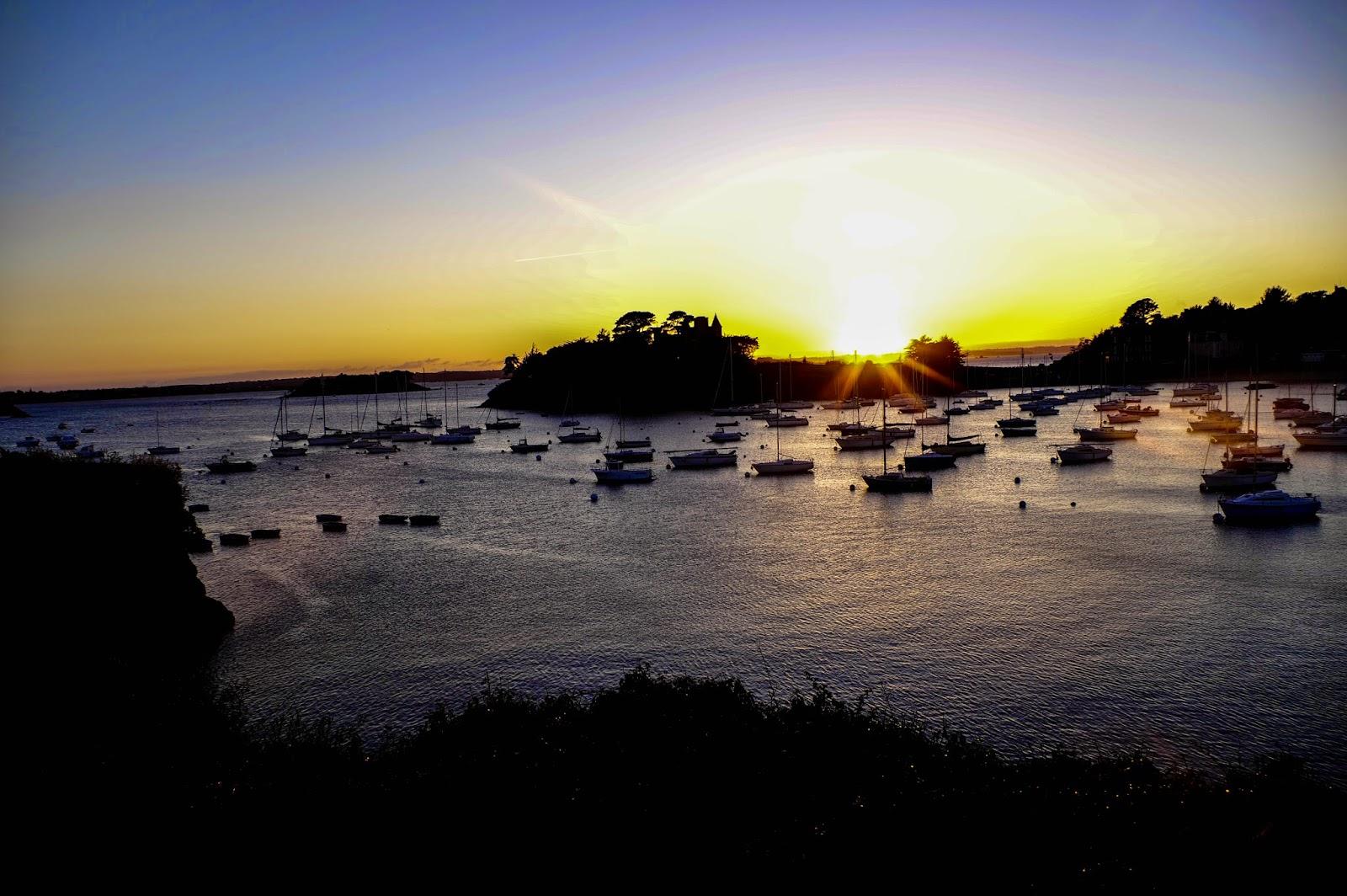 http://jerogiphotography.blogspot.com/2015/04/sunset-in-saint-briac.html